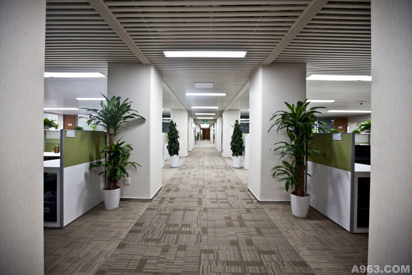 作品中心 公共空间 办公空间 > 张军华作品    设计思路: 通过对现有