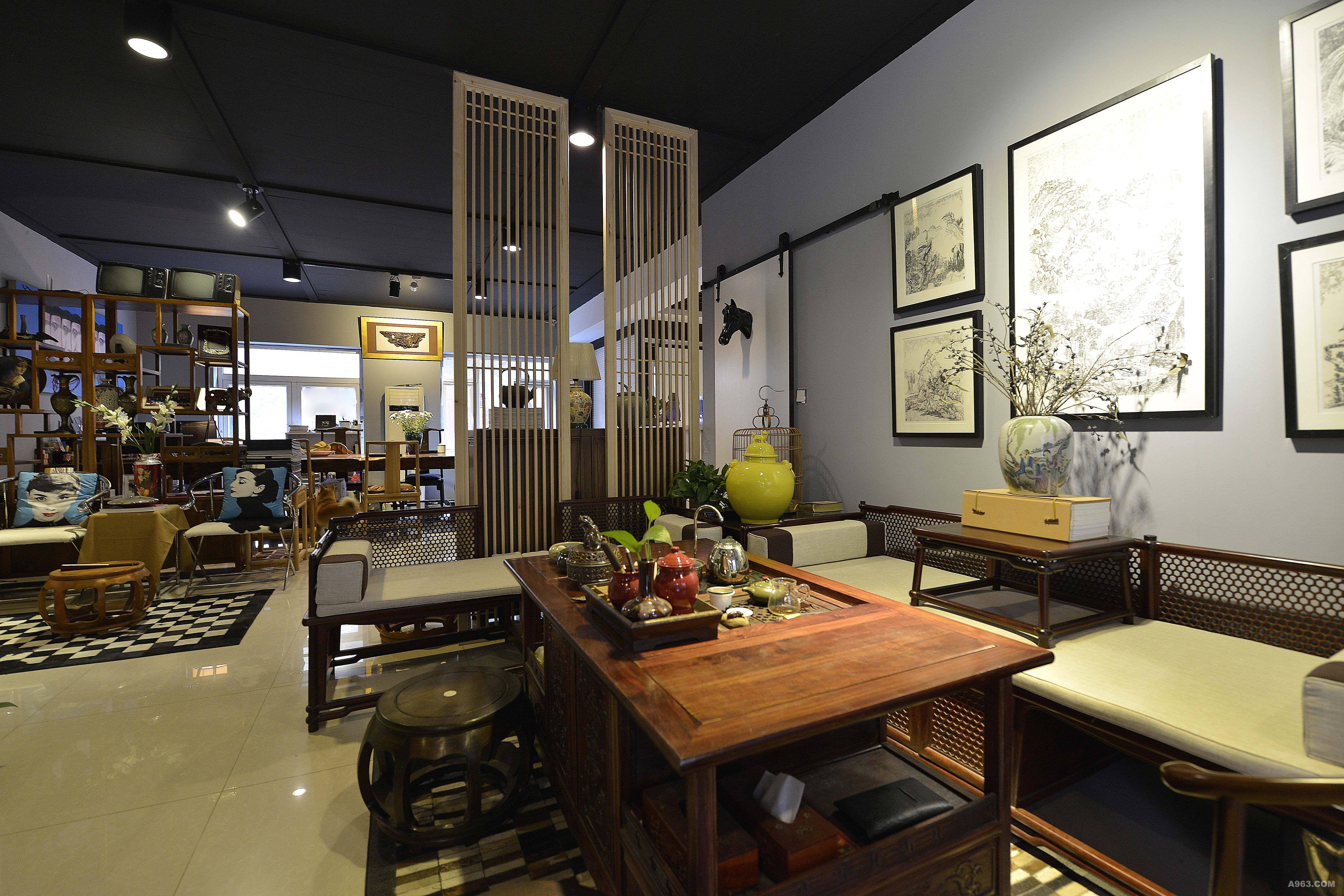 室内设计工作室,位于古典家具街的艺术文化创意产业区,整体是中式风格
